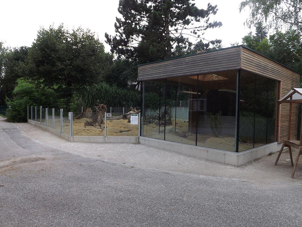 Erdmännchenanlage (Zoo Linz)