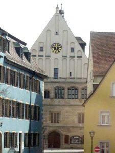 Rathaus Weißenburg vom Reichsstadtmuseum aus gesehen