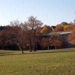 Naturkundemuseum am Löwentor vom Rosensteinpark aus gesehen