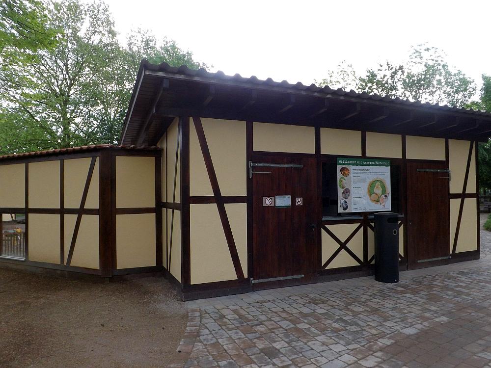 Hühnerstall (Tiergarten Worms)