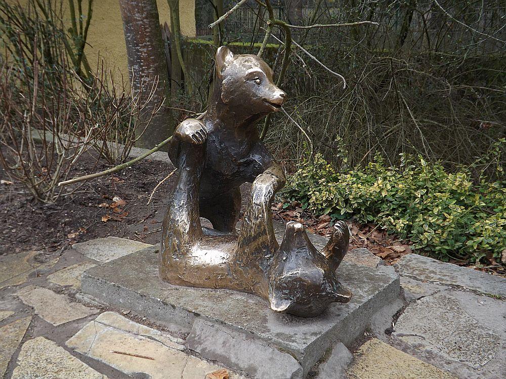 Bärenplastik (Zoo Augsburg)